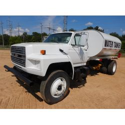 1992 FORD F800 Water Truck