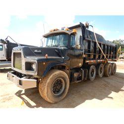 1990 MACK DM690S Dump Truck