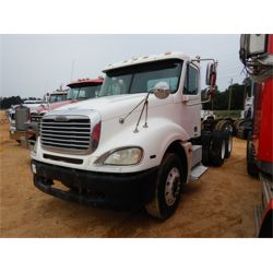 2004 FREIGHTLINER COLUMBIA Day Cab Truck