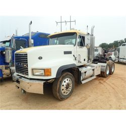 2000 MACK CL Day Cab Truck