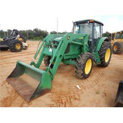 JOHN DEERE 6715 Tractor
