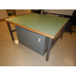 ENGINEERING TABLE Office Equipment / Furniture