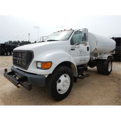 2001 FORD F750 Water Truck