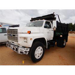 1990 FORD F700 Dump Truck