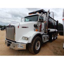 2015 KENWORTH T800 Dump Truck