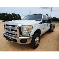 2013 FORD F350 Flatbed Truck