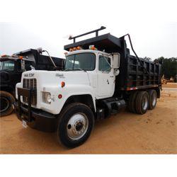 1989 MACK R690ST Dump Truck