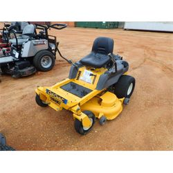 CUB CADET ZERO TURN Mowing Equipment