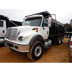 INTERNATIONAL 7600 Dump Truck