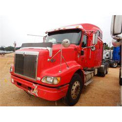 2005 INTERNATIONAL 9200i Sleeper Truck