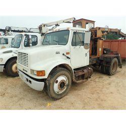 2000 INTERNATIONAL 4700 Grapple Truck