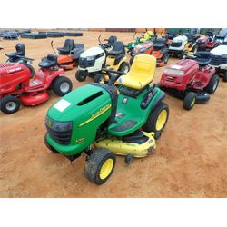 JOHN DEERE RIDING MOWER  Mowing Equipment