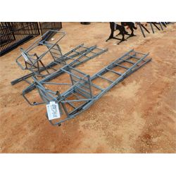 DEER HUNTING LADDER STAND Miscellaneous