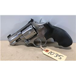 SMITH & WESSON MODEL 686 - 3 .357 MAG