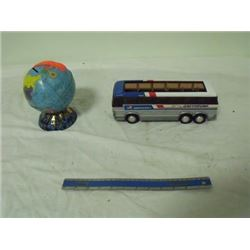 "11"" Greyhound bus, globe"