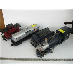 LARGE TRAIN ENGINE WITH CARS