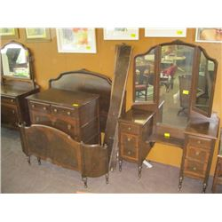 4 PC BEDROOM SUITE, MIRRORED VANITY, MIRRORED 4 DRAWER DRESSER, CHEST OF DRAWERS, BED FRAME