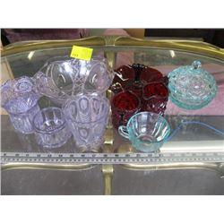 A LOT OF COLORED GLASSWARE