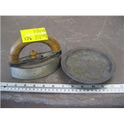 HEAVY CAST PAN, SAD IRON