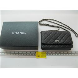 AUTHENTIC CHANEL PURSE WITH CARD #13913304 (USED)