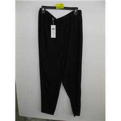 NWT PR OF EILEEN FISHER BLACK PANTS (M)