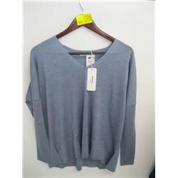 NWT AKRIS LIGHT DENIM COLORED 100% WOOL LONG SLEEVED TOP