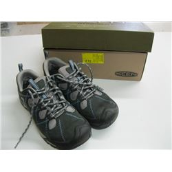 PR OF KEEN SIZE 7 1/2 HIKING SHOES