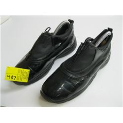 COUGAR SIZE 8 WET WEATHER SHOES