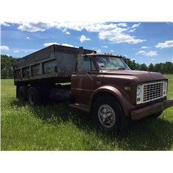 1969 GMC 960  tandem truck with 14 ft steel gravel box