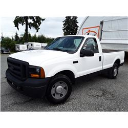 K1 --  2006 FORD F250 SUPER DUTY, WHITE, 258,749 KMS