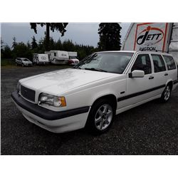 A2 --  1995 VOLVO 850 , White , UNKNOWN ODO INOP  KM's