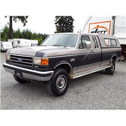 F3 --  1989 FORD F250/F350 EXT CAB 4X4 , Brown , 142581  KM's