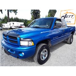 F3 --  2000 DODGE RAM 1500 EXT CAB 4X4 , Blue , 193022  KM's