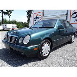 A12B -- 1998 MERCEDES E320  , Green , 242658  KM's