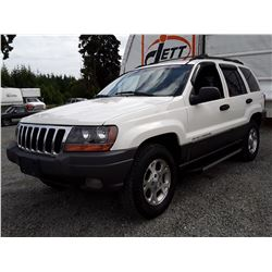 J1 --  2001 JEEP GRAND CHEROKEE LAREDO , White , 220908  KM's