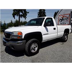 F5 --  2005 GMC SIERRA K2500 HEAVY DUTY 4X4 , White , 313621  KM's