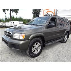 J2 --  2004 PATHFINDER LE , Grey , 280402  KM's