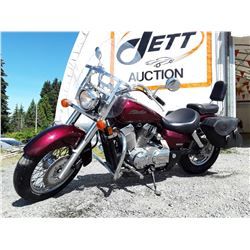 0A --  2006 HONDA SHADOW VT750C, RED, 69,754 KMS