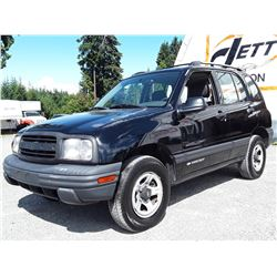H5 --  2001 CHEVROLET TRACKER , Black , 304878  KM's