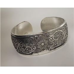 Floral Stem Designed Silver Toned Bangle Cuff