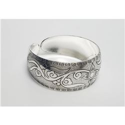 Single Flower Design Silver Toned Bangle Cuff