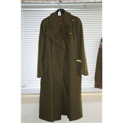 Canadian wool long coat with military brass buttons
