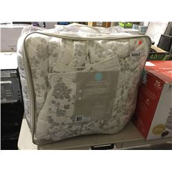 Martha King Size 3-Piece Comforter Set