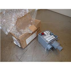 ALLEN BRADLEY 836T-T253JX9 BULLETIN 836T PRESSURE CONTROL COMMANDE A PRESSION
