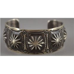 NAVAJO INDIAN BRACELET (NORA)