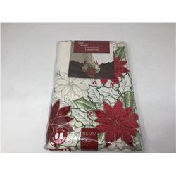 Leona Poinsettia Tablecloth (60in x 104in)