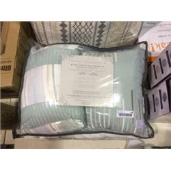 Classic Collection Queen Size 5-Piece ComforterSet