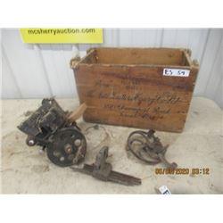 Auto Knitting Machine w Crate - Vintage