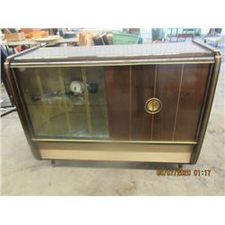 Lowe Opta Cabinet Radio/Record Player w Lighted Bar Area- Vintage