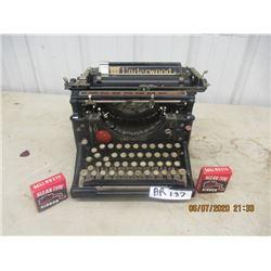 Underwood Typewriter - Vintage